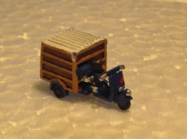 N Scale 3-Wheel Motorscooter w/ Trunk 3d printed