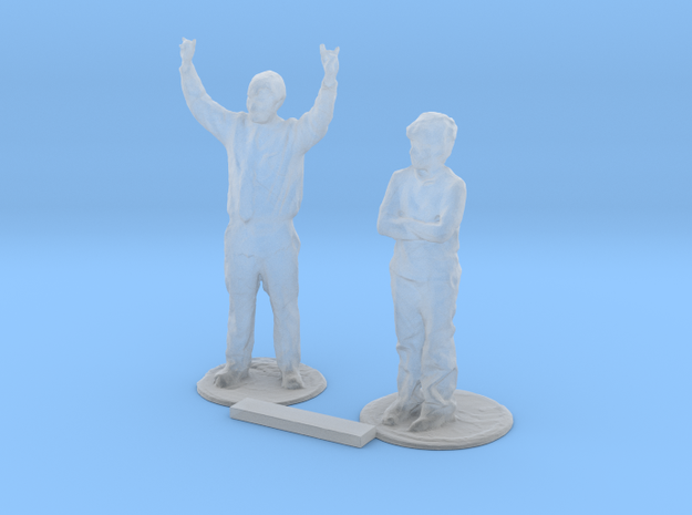 O Scale Standing People 5