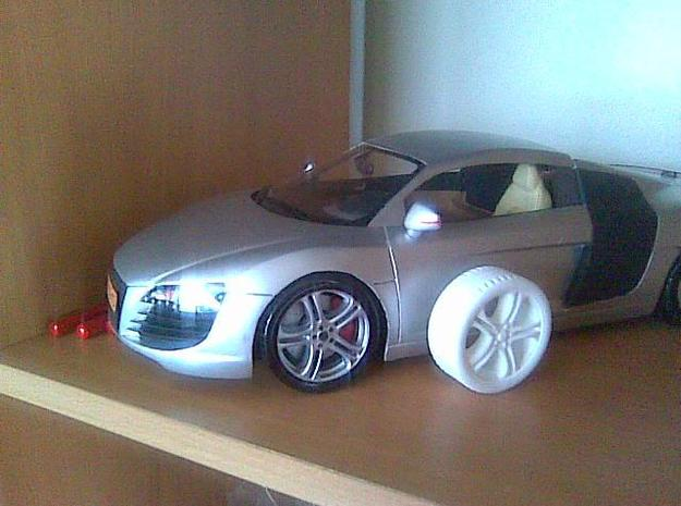 wheels R8 in White Strong & Flexible