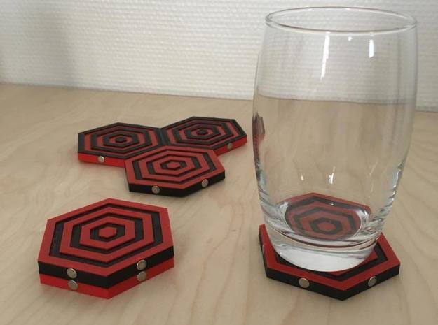 magnetic coaster in Black Strong & Flexible