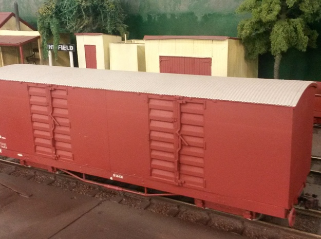 VR Narrow Gauge NH Van Body 3d printed waiting to unload