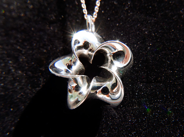 Five Twisted Mobius pendant
