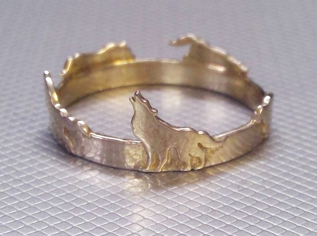 Wolves Ring in Polished Silver: 8.5 / 58