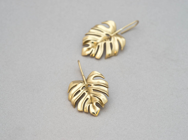 Monstera Drop Earrings in Polished Brass