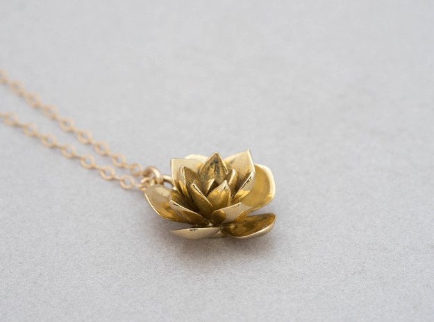Rosette Succulent Pendant in Polished Brass