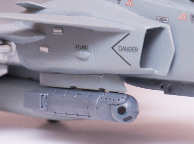 Litening Targeting Pod in Smooth Fine Detail Plastic: 1:72
