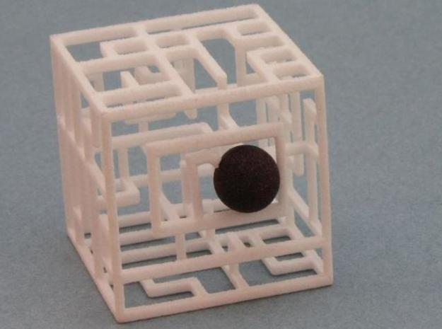 Zig Zag Zog 2-pack 555 3d printed Ball at Entrance