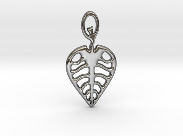 Leaf Pendant in Fine Detail Polished Silver