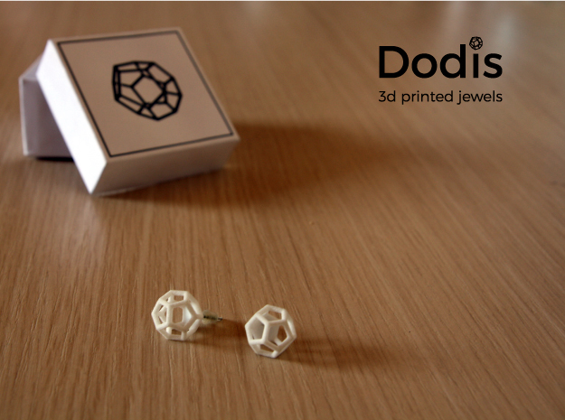 Dodis_earring in White Natural Versatile Plastic