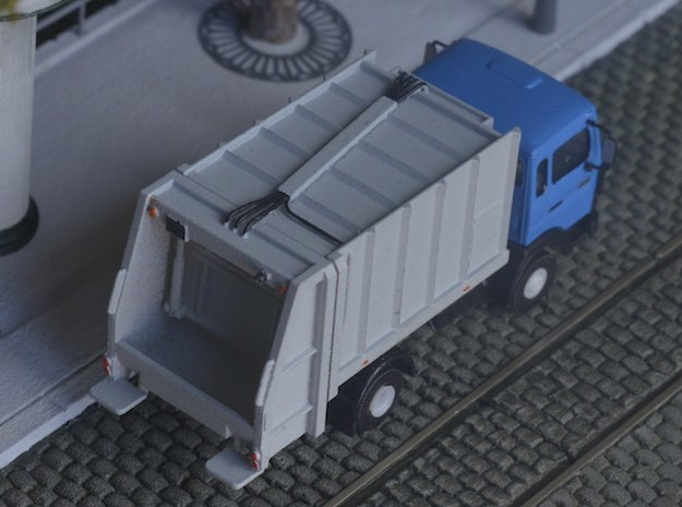Dumpster body for truck - Benne à ordure - HO - 1/ in Smooth Fine Detail Plastic