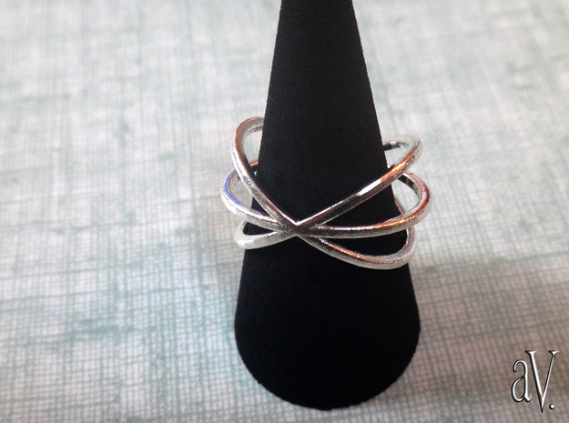 Line Triple Circle Ring in Natural Silver: 8 / 56.75