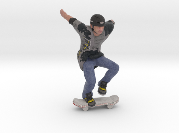 Skater colored in Natural Full Color Sandstone