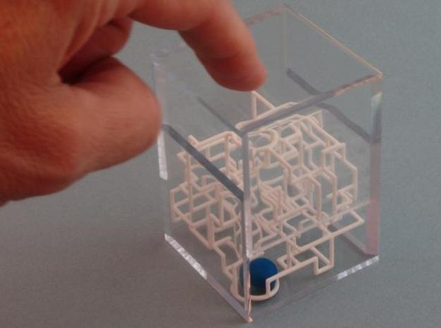 """Bare Bones"" Two-Pack - Rolling Ball Maze in Case 3d printed Close the case"