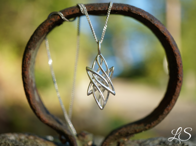 Star Pendant in Polished Silver