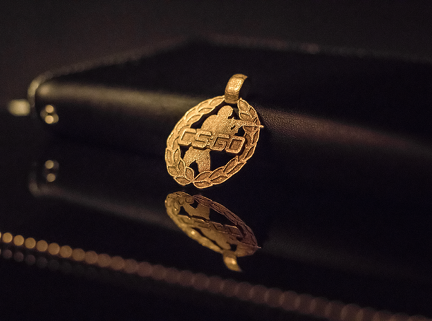 CS:GO - Soldier Pendant in Polished Gold Steel