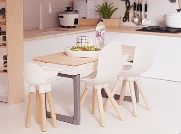 1:12 Kidschair v1 wooden legs 1 in White Natural Versatile Plastic