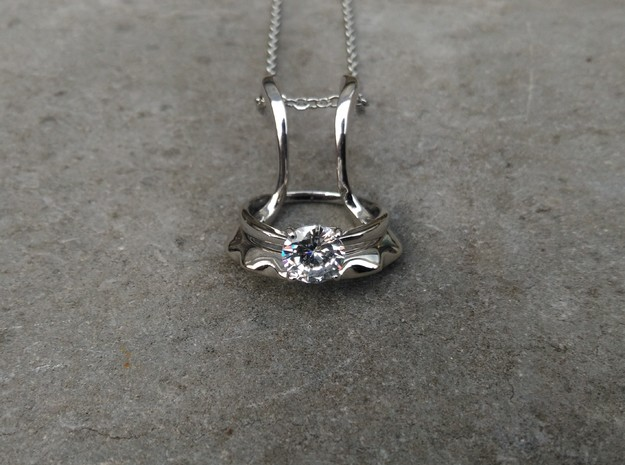 Ring holder pendant: Embrace in Polished Silver: Small