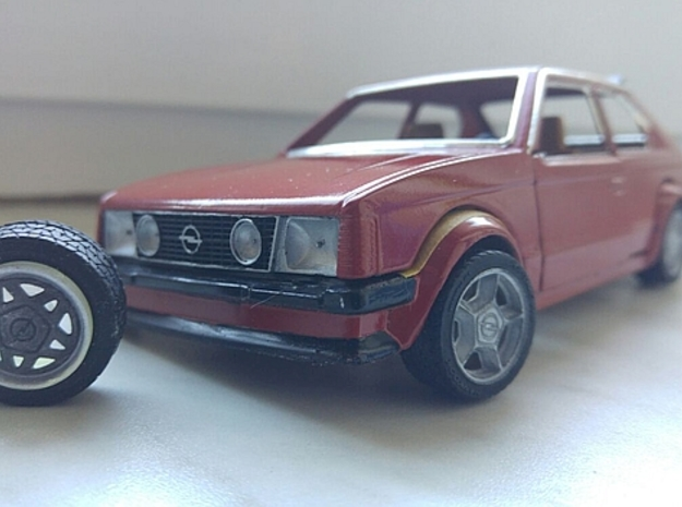 1/24 Front Grill Opel Kadett D in Smoothest Fine Detail Plastic