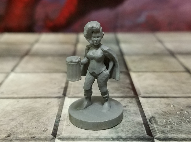 Halfling Female Rogue 2 in Smooth Fine Detail Plastic