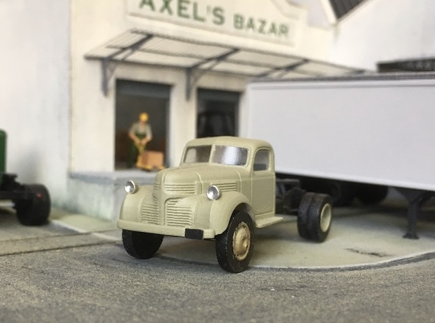 1:87 Dodge semi tractor 1940 in Smooth Fine Detail Plastic