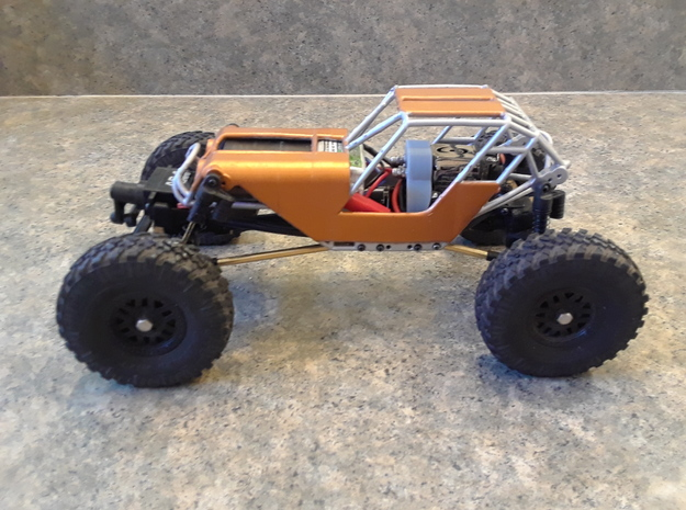 Fat Girl SCX24 with body panels and motor plate in White Natural Versatile Plastic