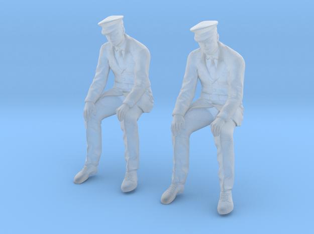 WW II Army Infantry Sitting in Smoothest Fine Detail Plastic: 1:48 - O