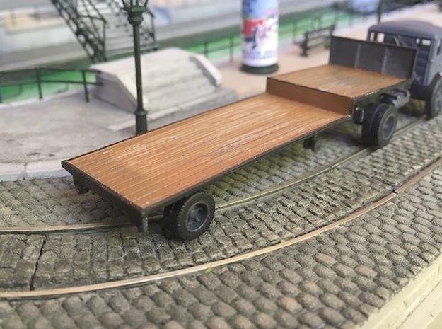1:87 Single axle low loader semi trailer in Smooth Fine Detail Plastic