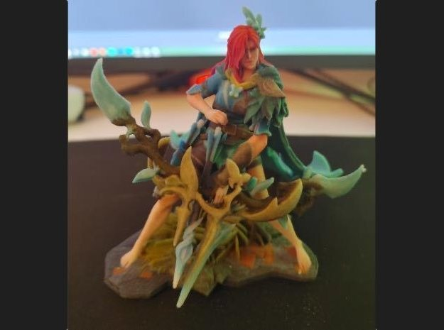Windranger Arcana on Grass Pedestal in Natural Full Color Sandstone: Small