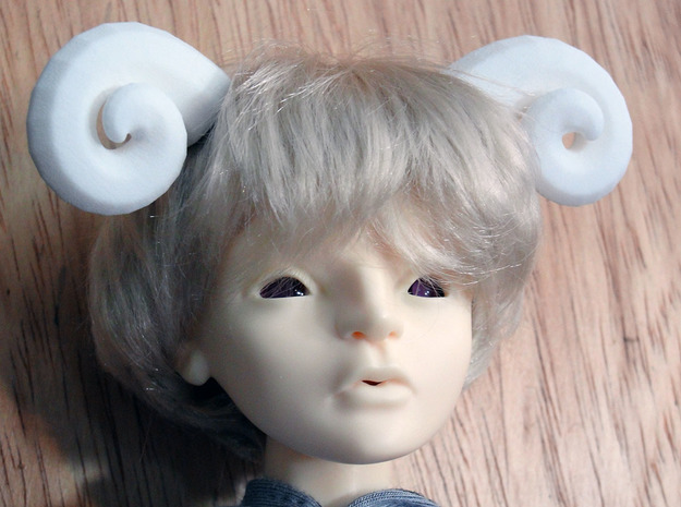 Bjd Ram Horns: side Magnet SD size 3d printed Horns show on a msd doll head