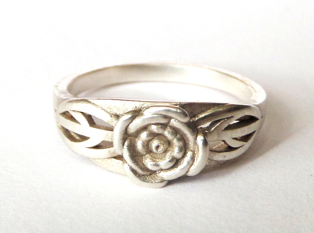 Rose Ring in Polished Silver