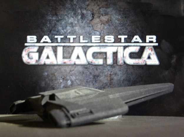 Blackbird in Flight (Battlestar Galactica) in Black Natural Versatile Plastic: 1:72