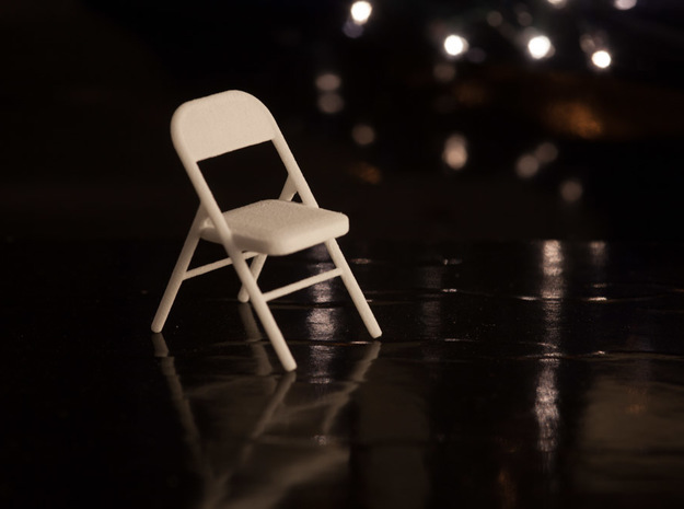 1:24 Metal Folding Chair in White Strong & Flexible