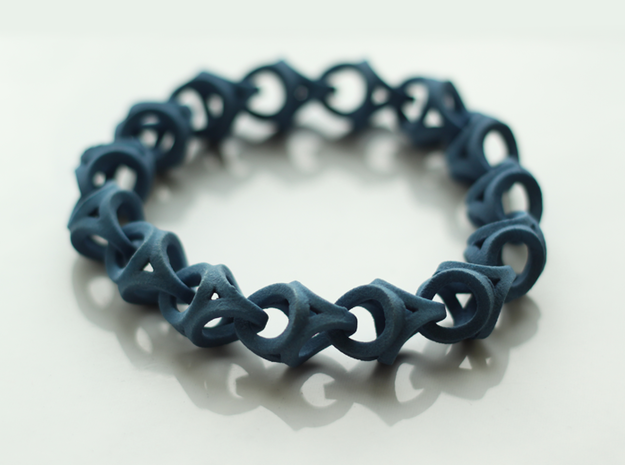 Crossover Thick - Bracelet size M in Blue Processed Versatile Plastic