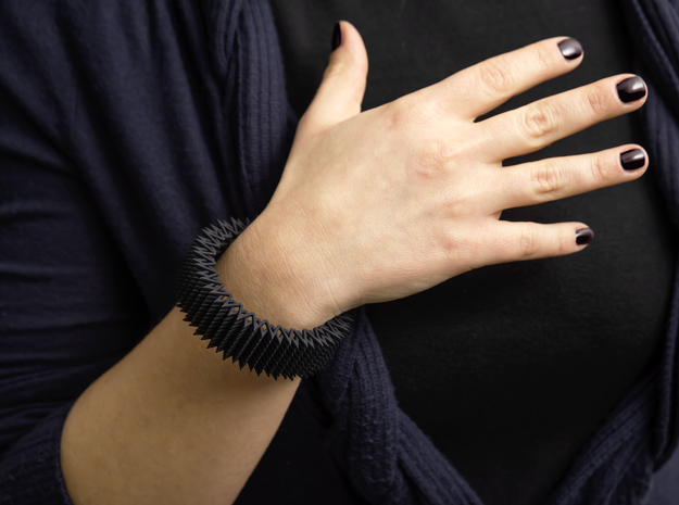 Spike Bracelet - Flexible Medium Size in Black Strong & Flexible