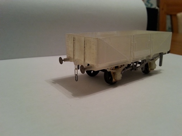 OO scale LMS  13 Ton high sided goods wagon in Smooth Fine Detail Plastic