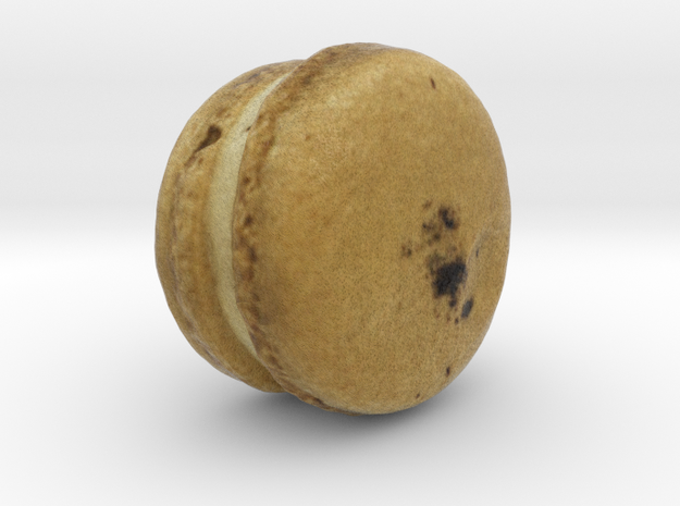 The Darjeeling Macaron in Full Color Sandstone