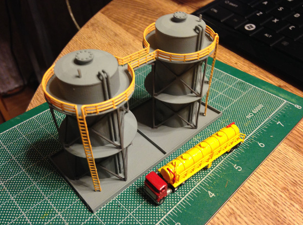 Double Storage Tanks Z Scale in Smooth Fine Detail Plastic