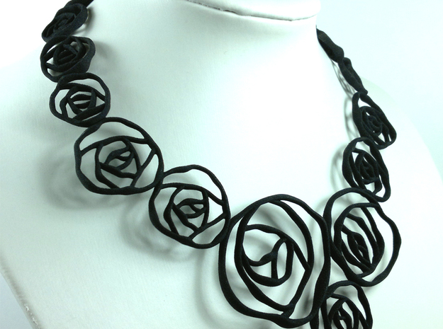 BLACK ROSE  collier  3d printed