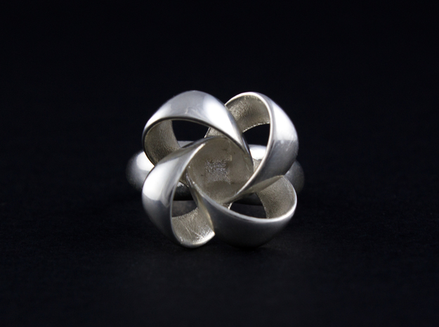 KNOT RING size 6 in Polished Silver