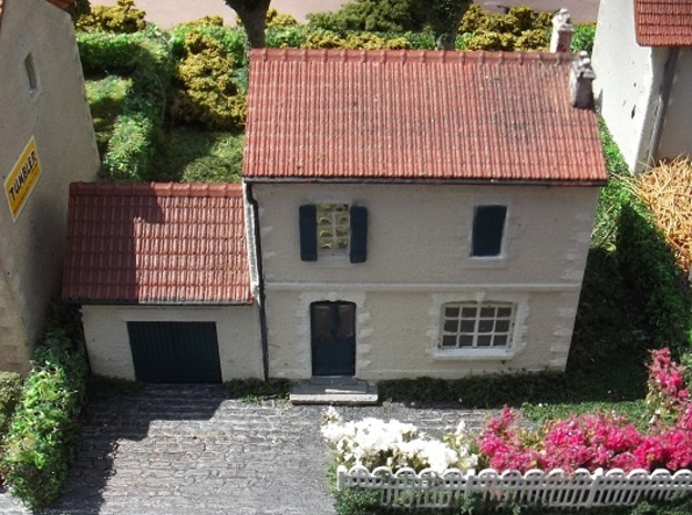 Tall House - FUD - N - 1:160 in Smooth Fine Detail Plastic