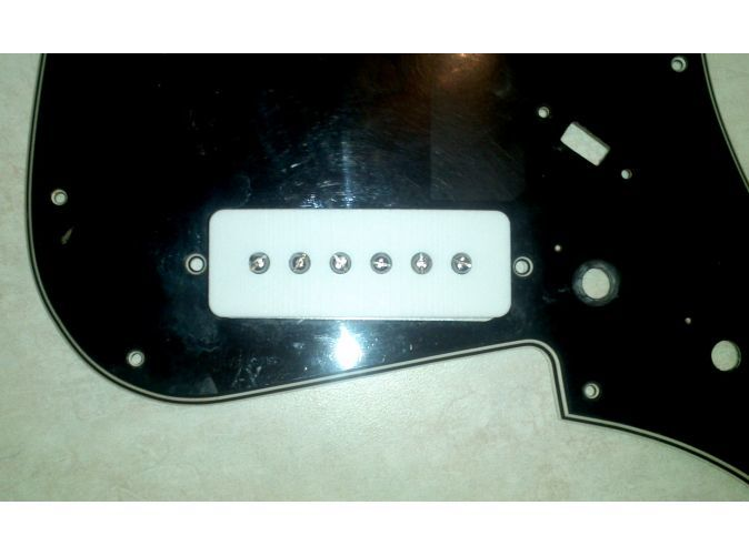 Shown with internals installed on an 1802/ET270 pickguard.