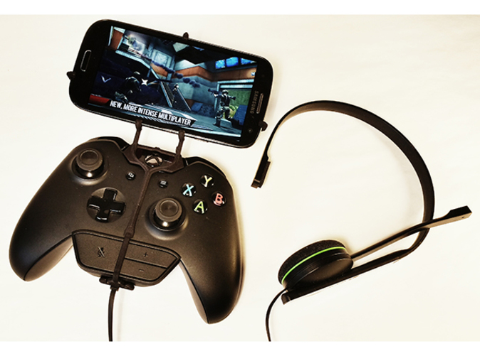 UtorCase for a Black Xbox One controller & chat and a Samsung Galaxy SIII