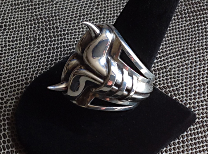 Shown in Polished Silver