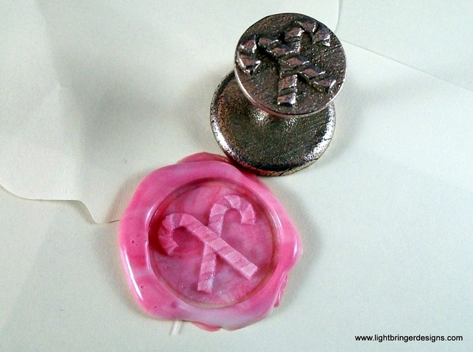 This is the seal you receive from Shapeways, next to the impression you can make with it.
