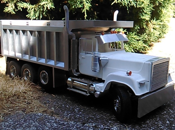MACK-Superliner-Grill 3d printed