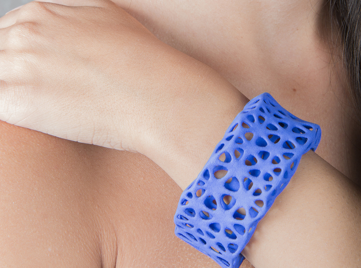 Flowers Cuff (Size M) 3d printed Printed in Blue Strong & Flexible Plastic