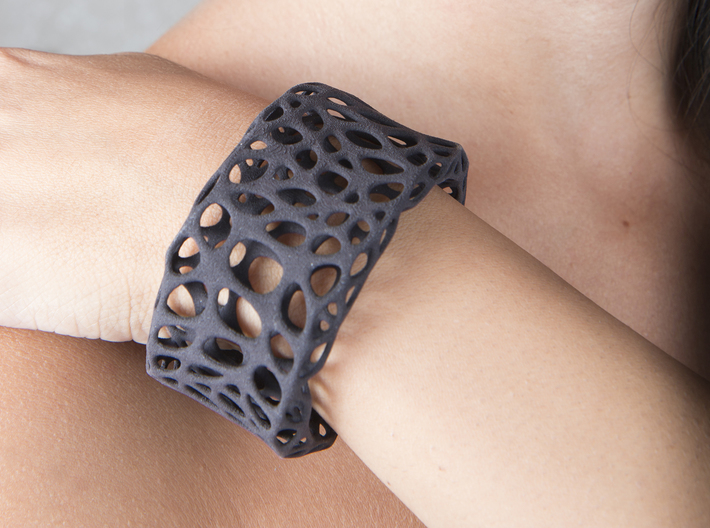Cells Cuff (Size M) 3d printed Printed in Black Strong & Flexible Plastic