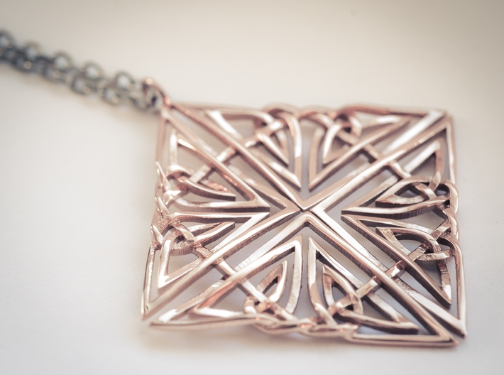 Celtic Knot Pendant 3d printed Beautifully woven rose gold knot