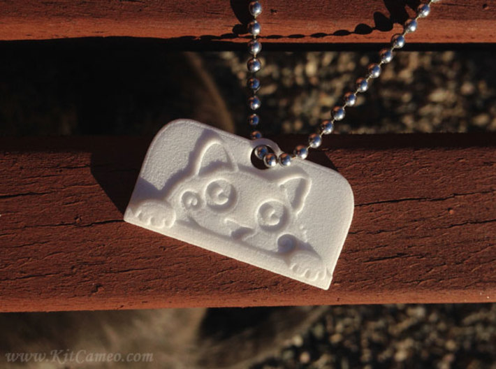 Voyeur Cat Pendant - Small 3d printed