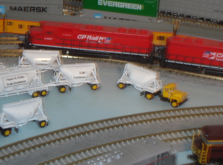 N scale 1/160 Dry Bulk Pup 07 Pair 3d printed A customer sent me photos of his painted & decalled models.